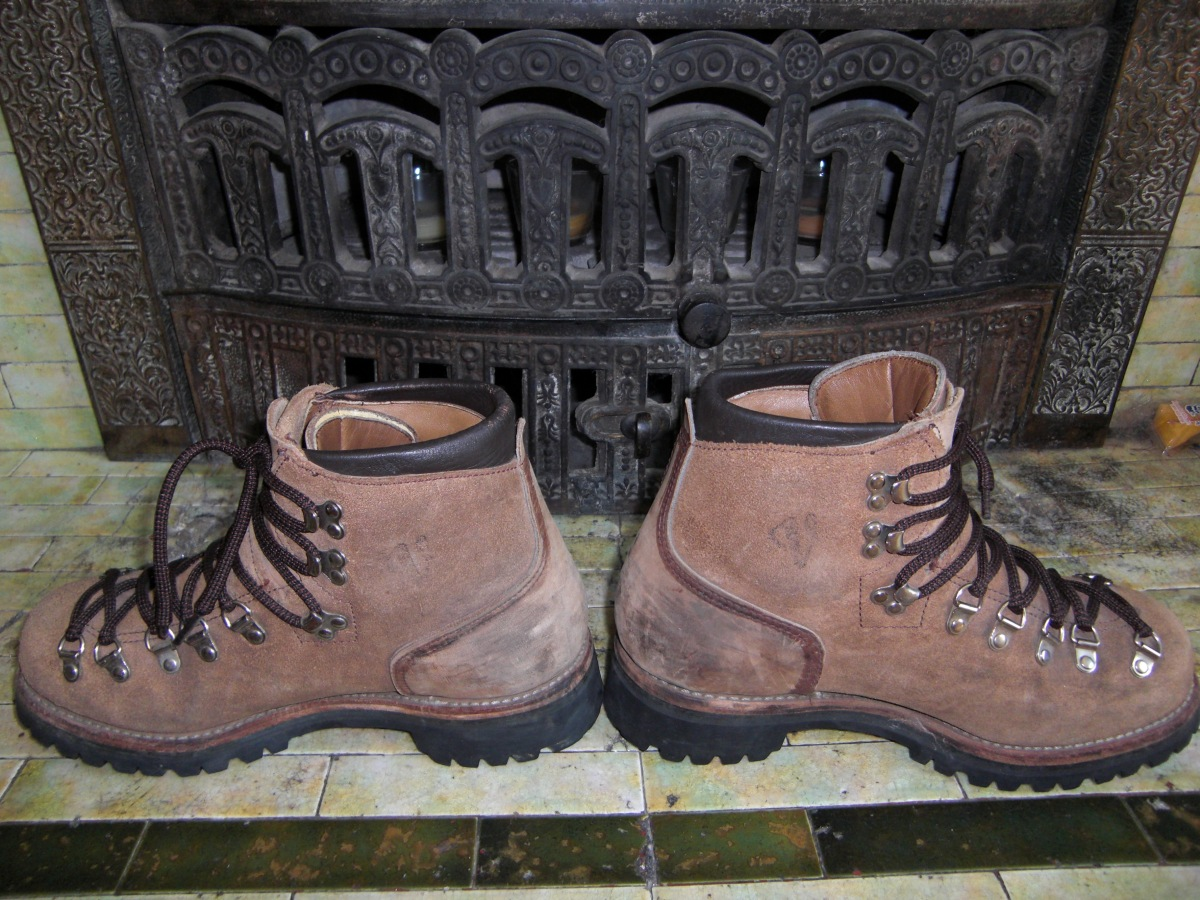 men s vasque hiking boots basecamp vintage archives. Black Bedroom Furniture Sets. Home Design Ideas