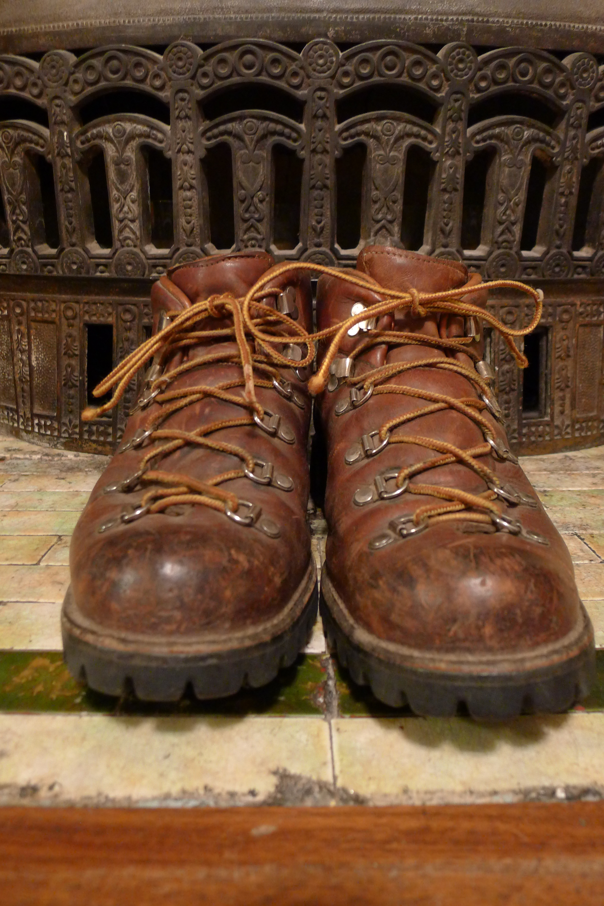 Danner 6490 Hiking Boots | Basecamp Vintage Archives